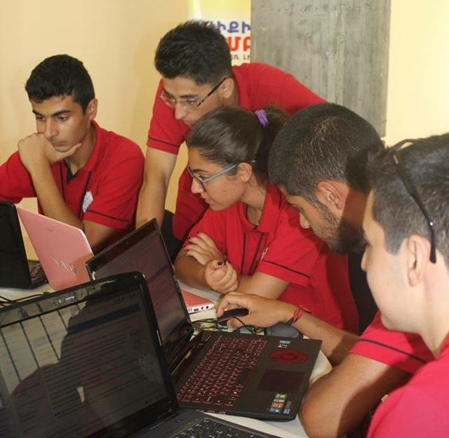 Աշակերտները Կը Խմբագրեն (3)